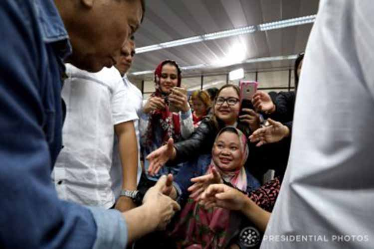 PRRD welcomes, extends assistance to OFWs from Kuwait