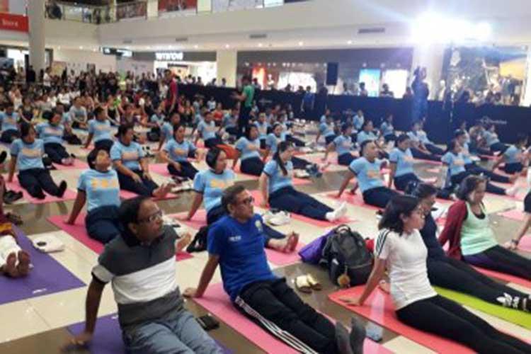Promoting yoga among Pinoys