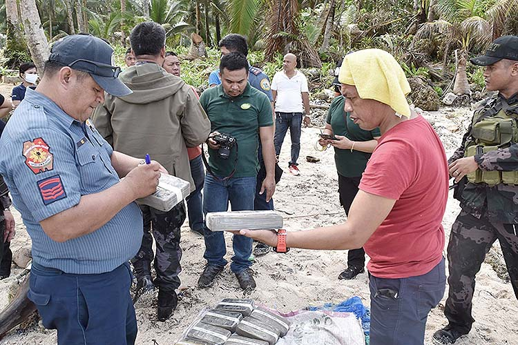 Probe sought on P462-M cocaine found on Siargao, Dinagat shores