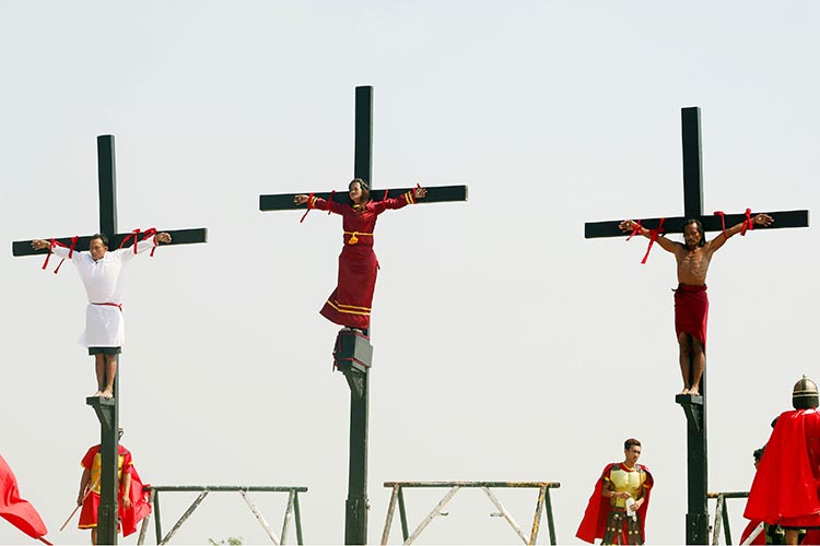9 penitents 'crucified' in San Fernando, Pampanga on Good Friday