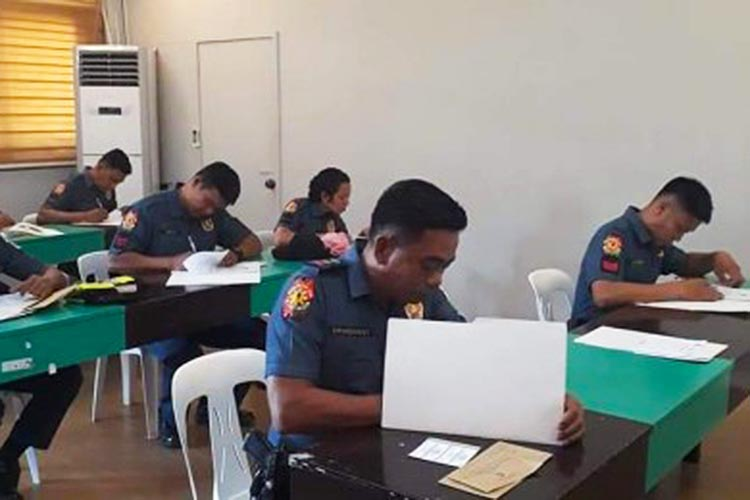 Pangasinan police, media cast local absentee votes