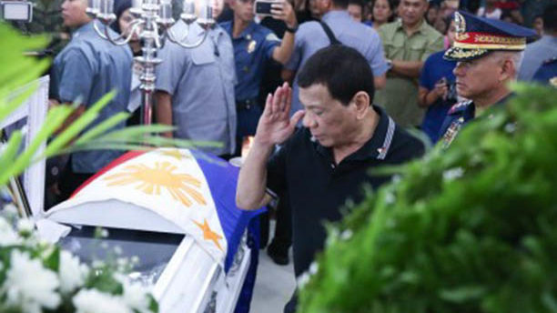 PRRD visits wake of cops killed by alleged NPAs