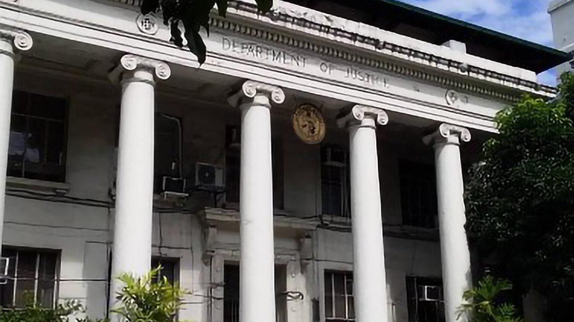 DOJ chief unfazed by de Lima's 'banned officials list'