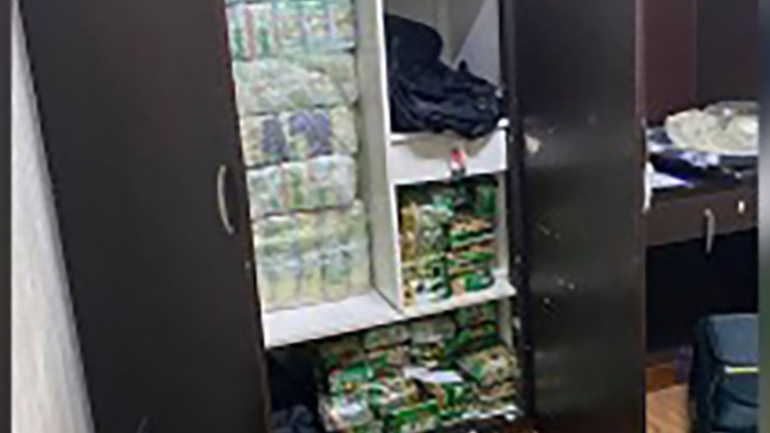 Chinese drug dealer nabbed in Makati sting; P2.5-B shabu seized