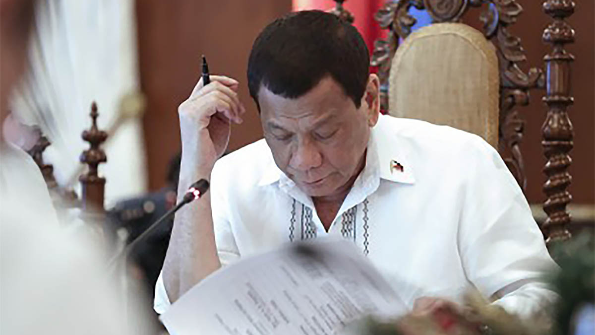 Duterte postpones 2020 barangay, SK polls