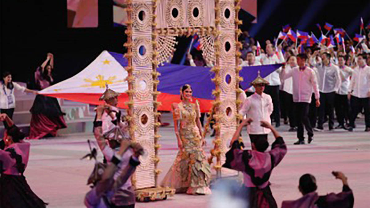 Cultural, nostalgic production number kicks off 30th SEA Games