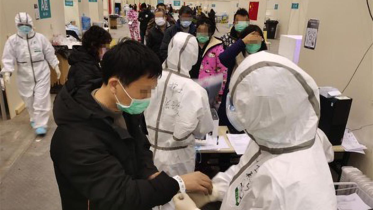Death toll in China's coronavirus outbreak rises to 909