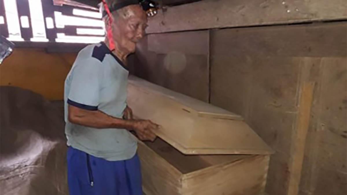 88-yr-old man in Iligan City readies own casket